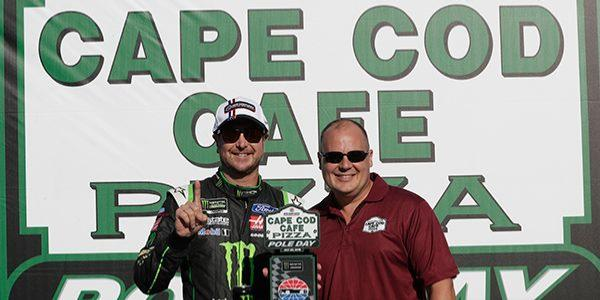 Kurt Busch Wins Pole